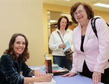 April 2016 - Novelist, Cathy Buchanan with CFUW members